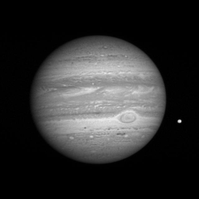La abordare: Jupiter și Io