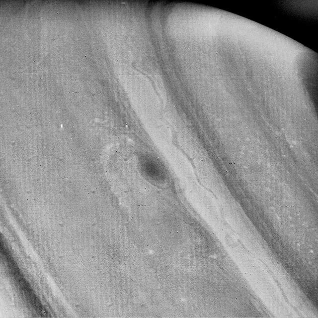 Voyager 2 Imagine a lui Saturn