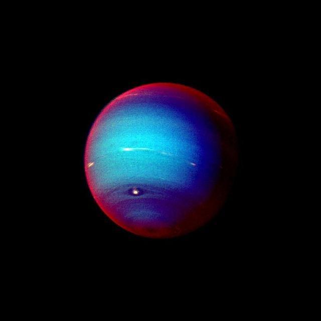 Neptun Imagine color falsă a lui Haze