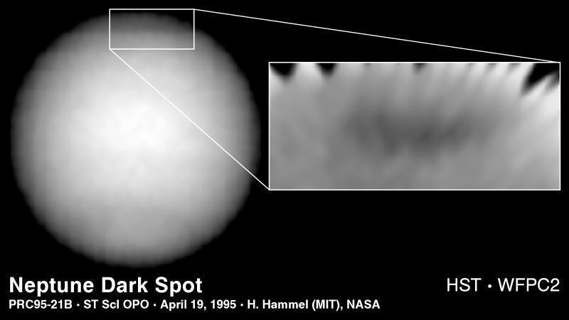 Hubble găsește un nou punct întunecat pe Neptun